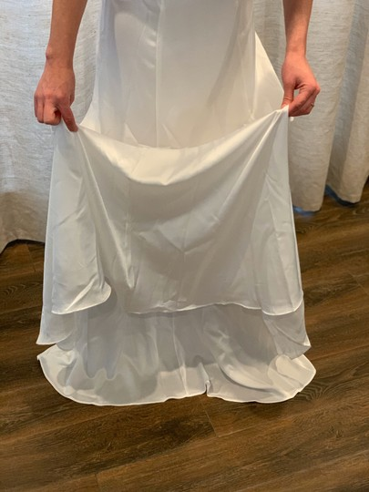 Show Me Your Mumu Ivory Silky Fabric - Polyester XS Simple Destination Wedding Dress Size 0 (XS) Image 6