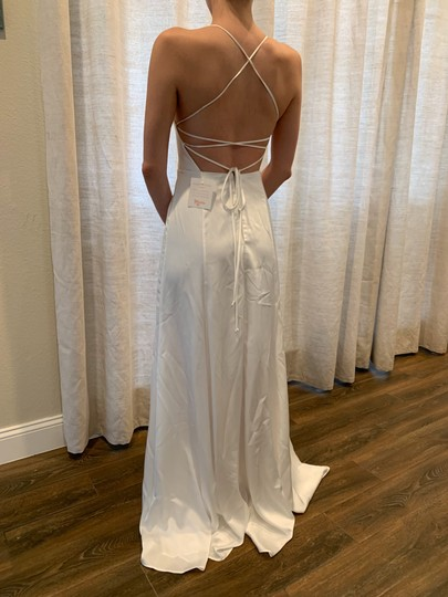Show Me Your Mumu Ivory Silky Fabric - Polyester XS Simple Destination Wedding Dress Size 0 (XS) Image 7