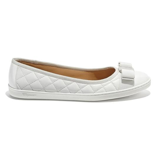 Preload https://img-static.tradesy.com/item/26304677/salvatore-ferragamo-white-varnished-vara-ballerina-flats-size-us-5-regular-m-b-0-0-540-540.jpg