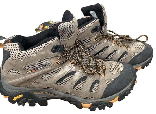 Preload https://img-static.tradesy.com/item/26304768/merrell-walnuttan-men-s-moab-mid-vent-hiking-sneakers-size-us-8-regular-m-b-0-1-540-540.jpg