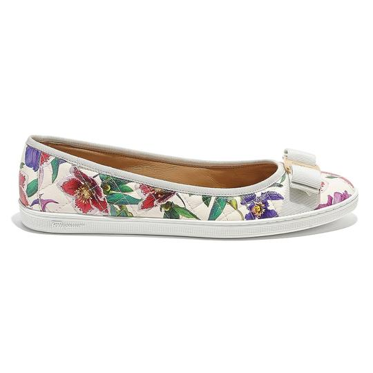 Preload https://img-static.tradesy.com/item/26304989/salvatore-ferragamo-white-printed-vara-ballerina-flats-size-us-7-regular-m-b-0-0-540-540.jpg
