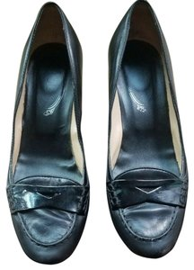 Tod's Classic Timeless Sophisticated Italy Black Pumps