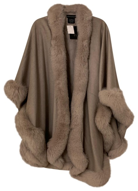 Item - Taupe Poncho/Cape Size OS (one size)