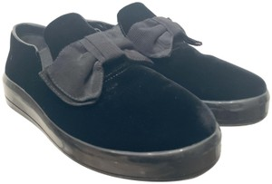Prada Sneakers Velvet Bow Accent Musthave Black Athletic