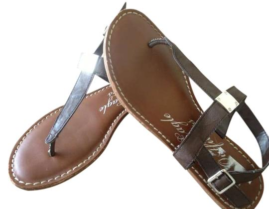 Preload https://img-static.tradesy.com/item/263071/american-eagle-outfitters-dark-brown-sandals-size-us-7-0-0-540-540.jpg
