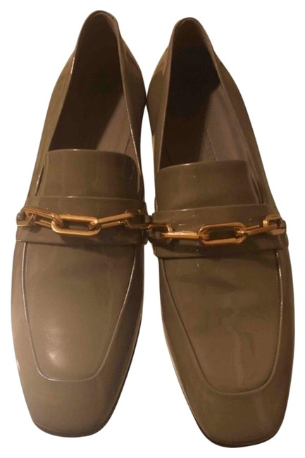 Item - Taupe Grey Gold Link Chain Patent Leather Chillcot Loafer Flats Size EU 38.5 (Approx. US 8.5) Regular (M, B)