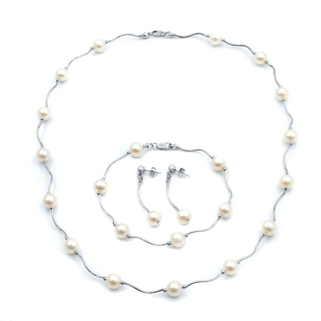 Item - 14k White Gold Pearl Set Necklace Bracelet and Earrings