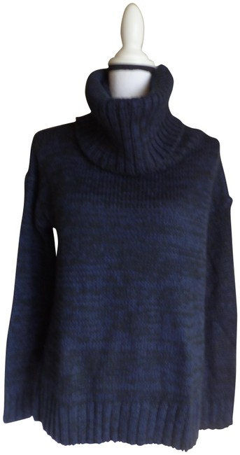 Item - Slouchy Turtleneck High-low Knit Navy/Black Sweater