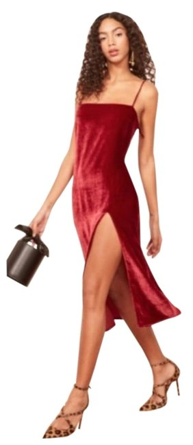 Item - Red Ariana Velvet Mid-length Night Out Dress Size 12 (L)