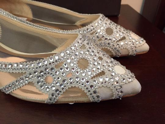Badgley Mischka Ivory Bhldn Gigi Crystal Embellished Flats Formal Size US 9.5 Wide (C, D) Image 7