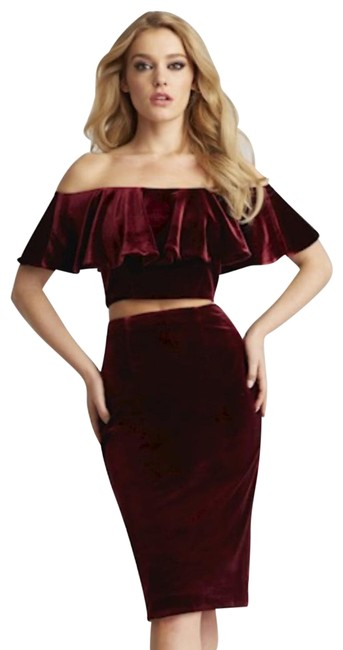 Item - Burgundy 51450 Mid-length Cocktail Dress Size 4 (S)