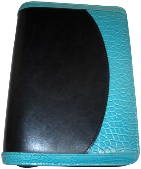 Preload https://img-static.tradesy.com/item/26331057/franklin-covey-black-turquoise-365-faux-leather-croc-compact-ziparound-planner-binder-agenda-0-3-540-540.jpg