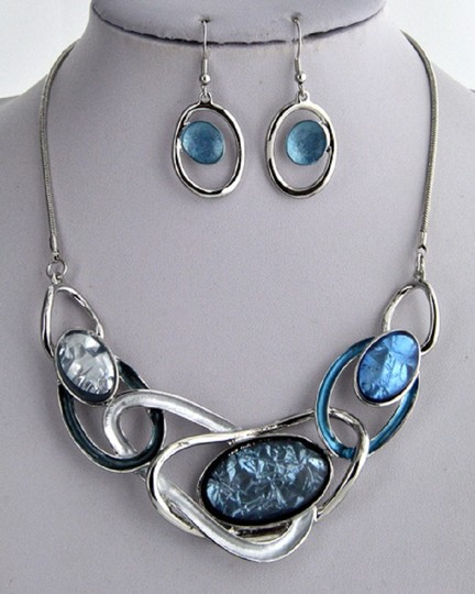 UNBRANDED Acrylic Silver Blue Necklace & Earring Image 1