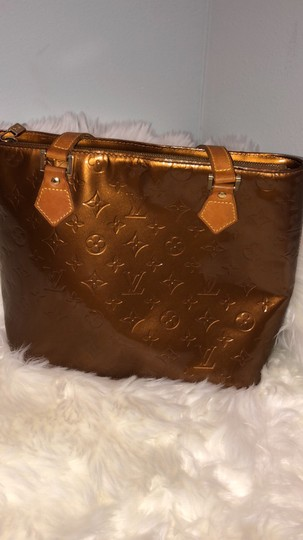 Louis Vuitton Tote in gold Image 5