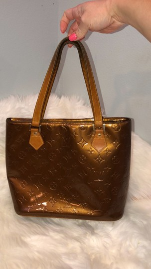 Louis Vuitton Tote in gold Image 6