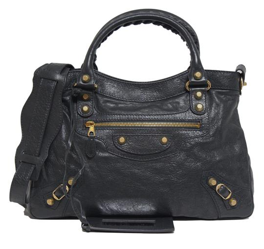 Preload https://img-static.tradesy.com/item/26331190/balenciaga-new-giant-gold-town-giant-anthracite-grey-leather-cross-body-bag-0-1-540-540.jpg