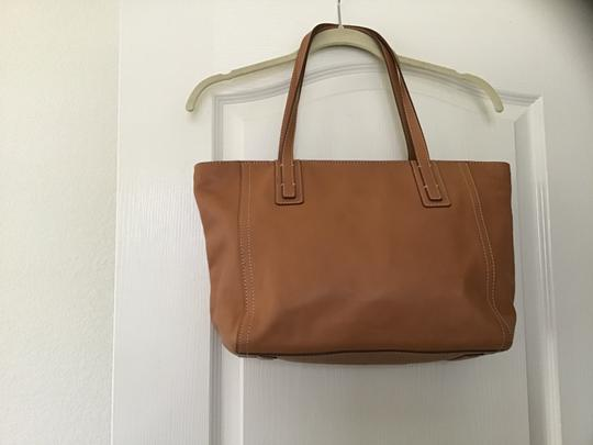 Fossil Excellent Condition Light Weight Detailed Stitching Zipper Closure Perfect Lining Satchel in Camel Image 1