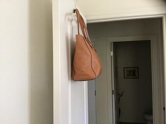 Fossil Excellent Condition Light Weight Detailed Stitching Zipper Closure Perfect Lining Satchel in Camel Image 4