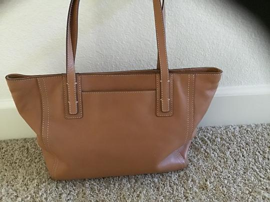 Fossil Excellent Condition Light Weight Detailed Stitching Zipper Closure Perfect Lining Satchel in Camel Image 6