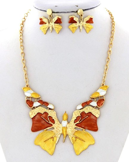 Preload https://img-static.tradesy.com/item/26331346/yellow-butterfly-brown-earring-necklace-0-3-540-540.jpg