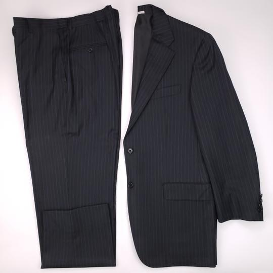 Preload https://img-static.tradesy.com/item/26331436/hickey-freeman-gray-pinstriped-40r-suit-charcoal-blue-lindsey-2-button-wool-shirt-0-0-540-540.jpg