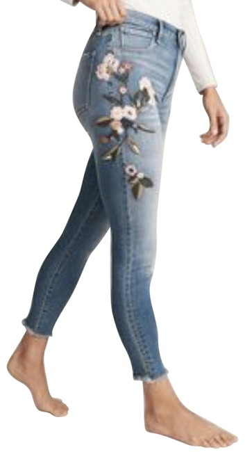Item - Light Blue Distressed Annie High Rise Girlfriend Relaxed Fit Jeans Size 27 (4, S)