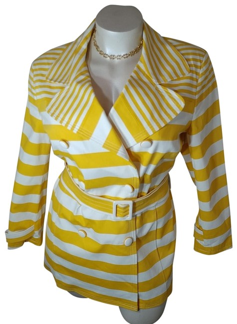 Item - Yellow and White Style Coat Size 26 (Plus 3x)