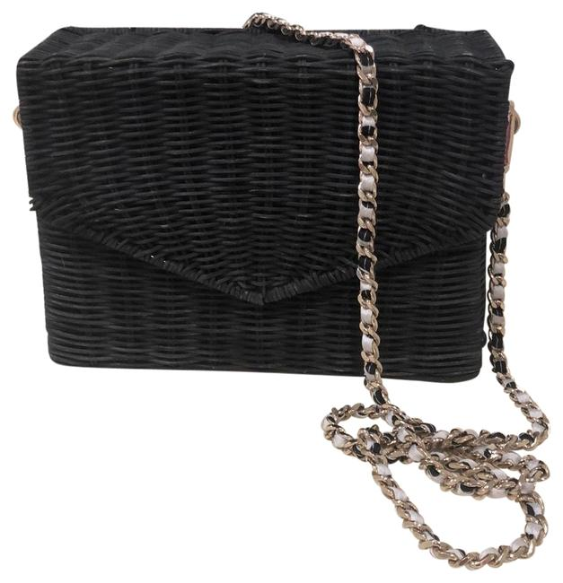 Item - With Gold Chain Navy Wicker Cross Body Bag