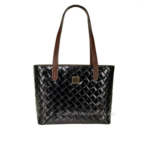 Preload https://img-static.tradesy.com/item/26334216/dooney-and-bourke-w-ew-waverly-embossed-woven-pattern-black-leather-tote-0-0-540-540.jpg