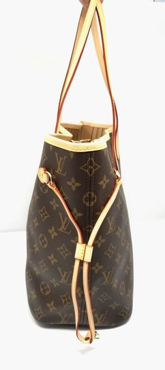 Louis Vuitton Neverfull Monogram Lv 2019 Tote in brown, Image 2