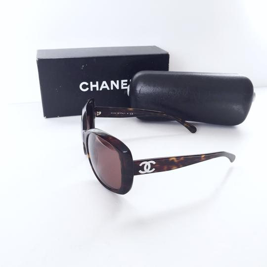 Chanel Chanel 5183 model tortoise shell CC logo sunglasses with case Image 1