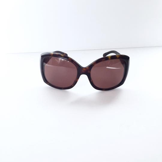 Chanel Chanel 5183 model tortoise shell CC logo sunglasses with case Image 3