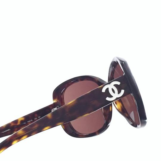 Chanel Chanel 5183 model tortoise shell CC logo sunglasses with case Image 7