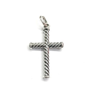 David Yurman GORGEOUS!!! LIKE NEW CONDITION!! David Yurman Sterling Silver 39mm Cable Cross Pendant