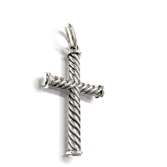 David Yurman GORGEOUS!!! LIKE NEW CONDITION!! David Yurman Sterling Silver 39mm Cable Cross Pendant Image 2