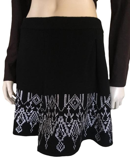 Preload https://img-static.tradesy.com/item/26334323/joie-blk-knit-with-white-embroidery-skirt-size-6-s-28-0-3-650-650.jpg