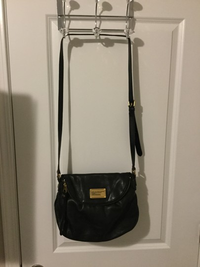 Preload https://img-static.tradesy.com/item/26334483/marc-by-marc-jacobs-black-patent-leather-cross-body-bag-0-0-540-540.jpg