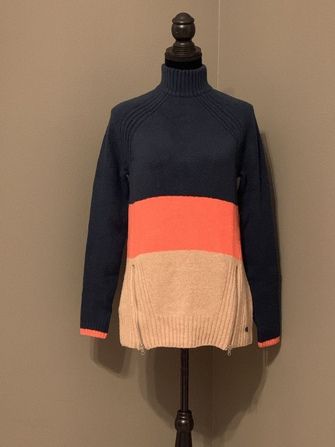 Abercrombie & Fitch Women's Large Sweater Image 1