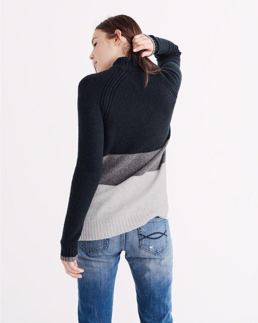 Abercrombie & Fitch Women's Large Sweater Image 5