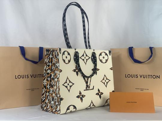 Louis Vuitton Tote in Ivory and Havana Beige Image 1