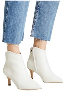 Joie white Boots