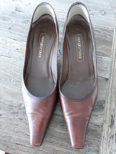 Preload https://img-static.tradesy.com/item/26334715/sergio-rossi-chocolate-brown-pumps-size-eu-39-approx-us-9-regular-m-b-0-0-540-540.jpg