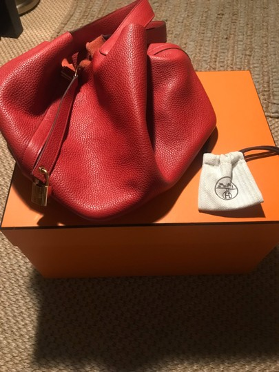 Preload https://img-static.tradesy.com/item/26334742/hermes-picotin-rouge-cadaque-26-red-leather-tote-0-0-540-540.jpg