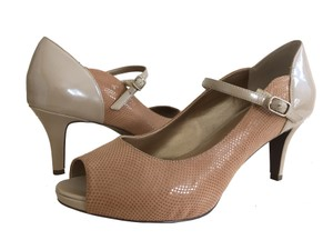 Trotters Ankle Strap Peep Toe Patent Leather Mary Jane Two-tone Nude Pumps
