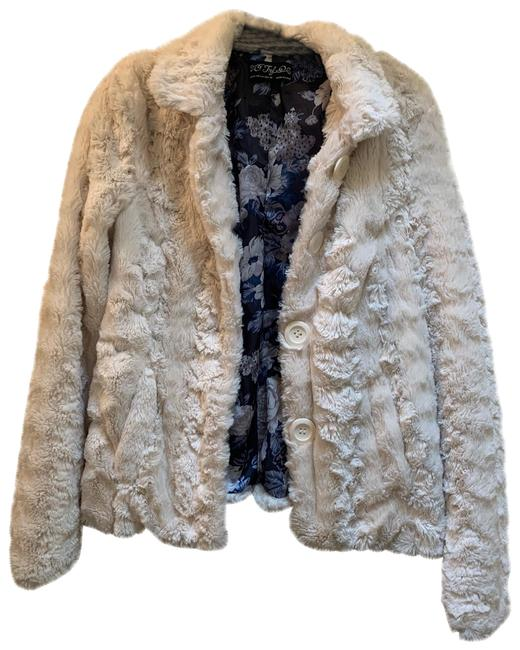 Item - White Rn 77302 Coat Size 8 (M)