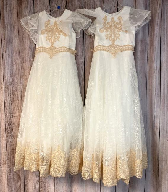 Item - White Lot Of 2 Flower Girls Wedding Lace Dress 6 and 8