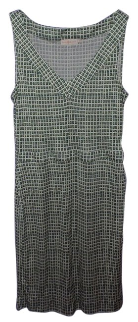 Item - Green Sleeveless V-neck Mid-length Short Casual Dress Size 8 (M)