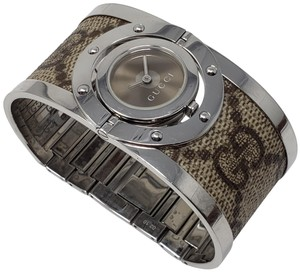 Gucci Stainless steel 33mm Gucci Twirl Bangle watch