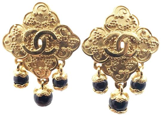 Preload https://img-static.tradesy.com/item/26346268/chanel-gold-black-vintage-plated-cc-argyle-stone-dangle-clip-on-earrings-0-1-540-540.jpg