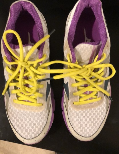Mizuno white with purple trim and yellow shoelaces Athletic Image 2